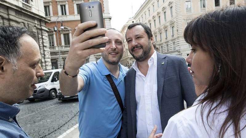 Matteo Salvini buche Roma